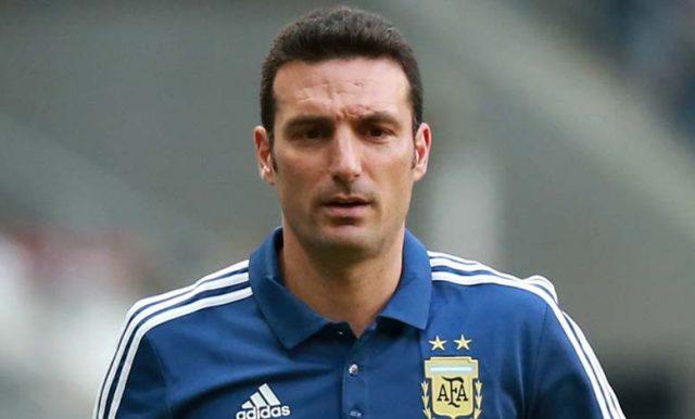 Scaloni Berikan Pujian Pada Messi Dan Martinez