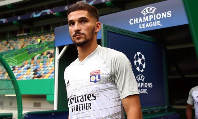 Houssem Aouar Menolak Membahas Depannya di Lyon