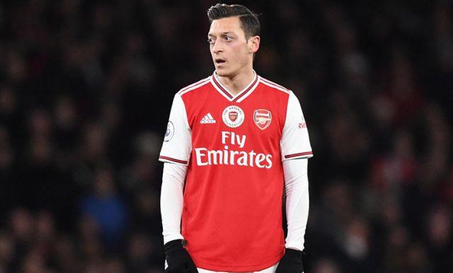 Campbell : Arsenal Tidak Akan Mainkan Ozil Lagi