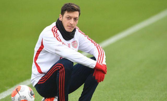 Mesut Ozil Ingin Meninggalkan Arsenal?