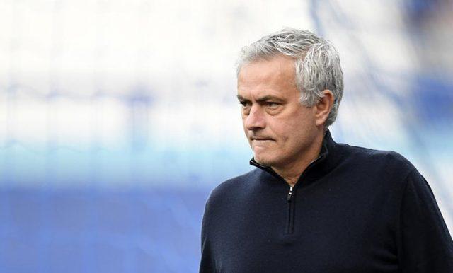 Mourinho : Saya Tak Terburu-Buruk Kembali ke Sepak Bola